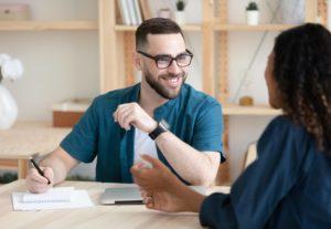 Comment devenir chargé de recrutement sans diplôme